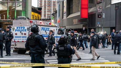 Tres personas, incluida una niña de 4 años, heridas de bala en Times Square, el tercer tiroteo en pocas horas en EE.UU.
