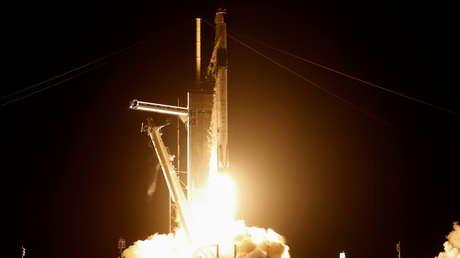 """SpaceX lanzará a la Luna el primer satélite pagado en dogecoines para """"sentar las bases del comercio interplanetario"""""""