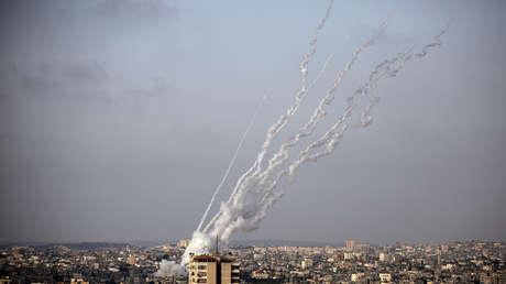 Al menos 20 palestinos muertos por ataques aéreos israelíes sobre la Franja de Gaza en respuesta al ataque con cohetes de Hamás