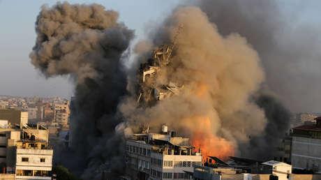 Hamás lanza 130 cohetes contra Israel