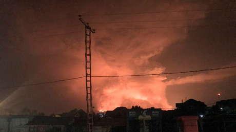 Uno de los volcanes más activos de África entra en erupción (VIDEOS)
