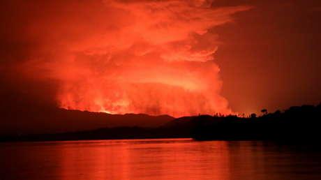 15 muertos, saqueos en una ciudad y miles de huidos tras la erupción del volcán Nyiragongo, uno de los más activos y peligrosos en África
