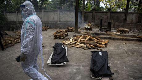 La India registra 100.000 muertes por covid-19 en menos de un mes