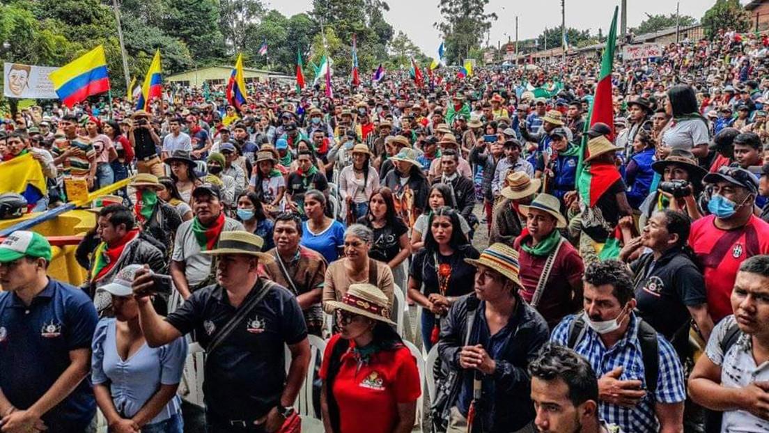 Las dos versiones sobre el asesinato de un joven campesino durante una protesta en un campo petrolero en Colombia
