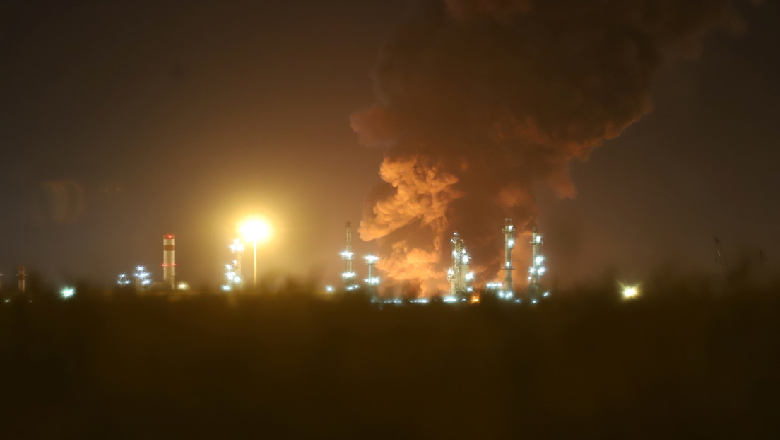 Se produce un gran incendio en una refinería de petróleo de la capital de Irán (VIDEO, FOTOS)