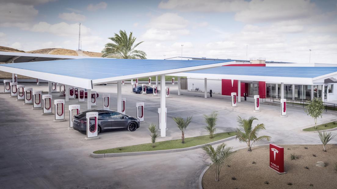 Tesla patenta tres marcas comerciales para abrirse camino en el sector de la gastronomía
