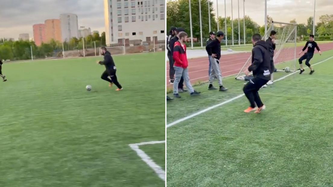 Khabib muestra sus habilidades futbolísticas comparándose con el brasileño Ronaldo cuando tenía sobrepeso