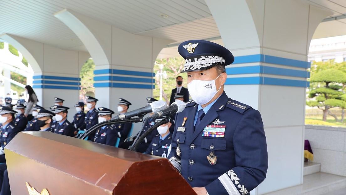 El jefe de la Fuerza Aérea surcoreana dimite tras aceptar su responsabilidad por el suicidio de una oficial acosada sexualmente