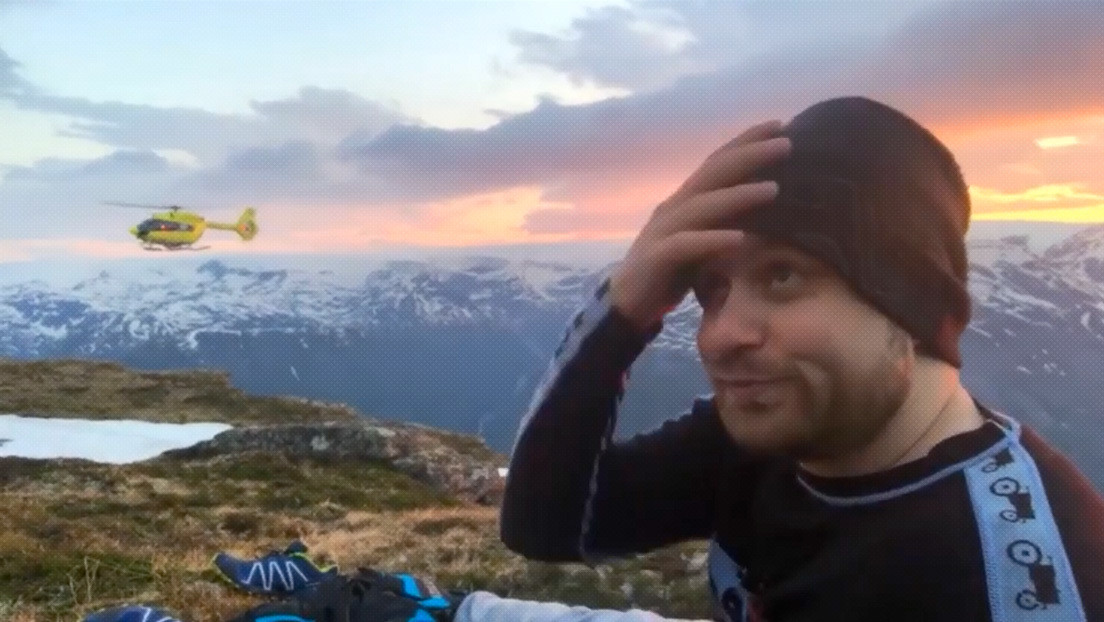 VIDEO: Un 'streamer' se rompe una pierna trasmitiendo desde las montañas (y no deja de grabar y comentar hasta ser rescatado hora y media después)