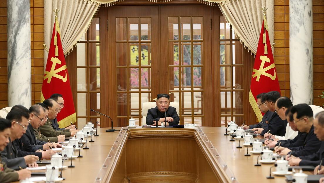 Kim Jong-un hace su primera aparición pública tras casi un mes