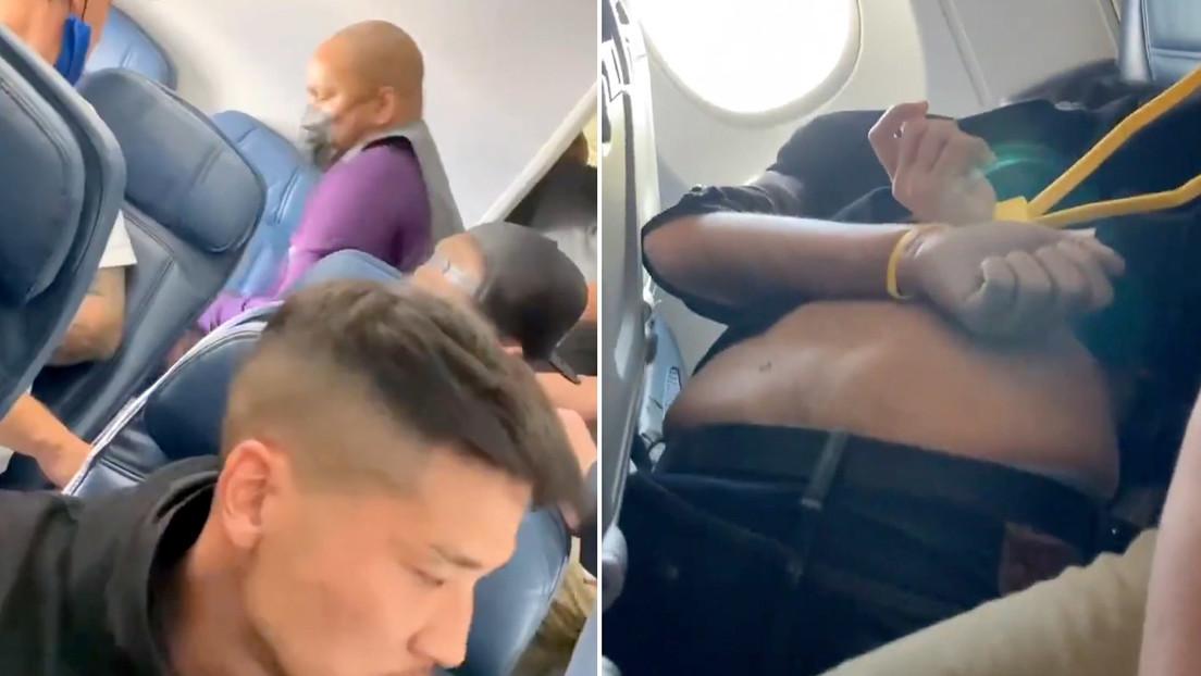 Un avión aterriza de emergencia después de que un hombre intentara irrumpir en la cabina del piloto (VIDEOS)
