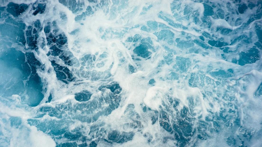 """Desarrollan un método """"económicamente viable"""" de extracción del litio, esencial para las baterías, del agua marina"""