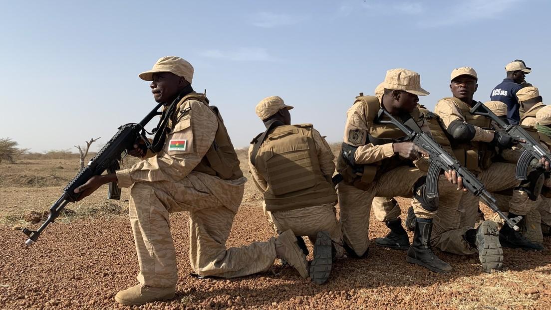 """Qué se sabe de la muerte de más de 130 personas en """"la masacre más mortífera"""" de la historia de Burkina Faso"""