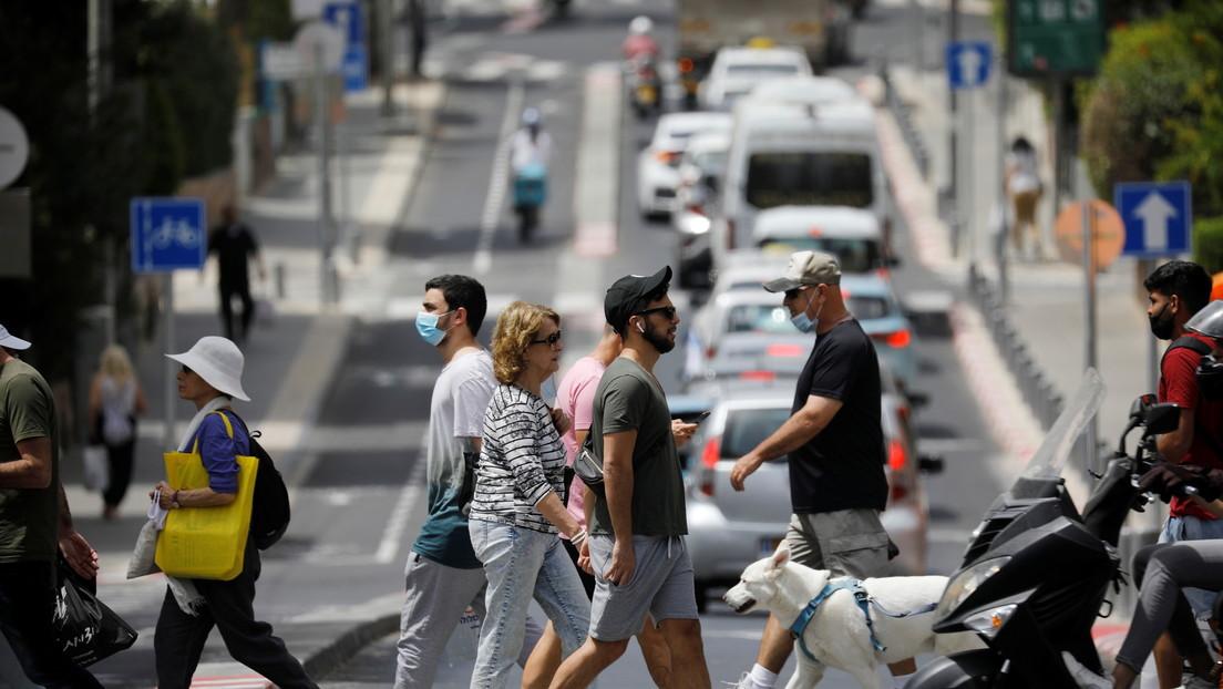 Israel levantará la obligación de usar mascarillas dentro de edificios, una de las últimas restricciones importantes de la pandemia