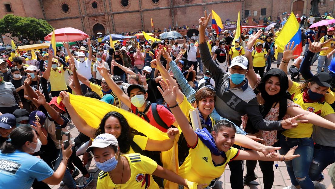 """¿Cambio de política o medida 'cosmética'? De qué trata la """"transformación policial"""" de Duque en Colombia"""