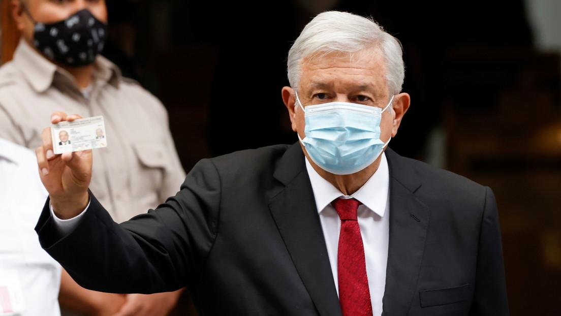 """""""Se reafirmó el camino de la democracia"""": López Obrador celebra la jornada electoral y el triunfo de su partido"""