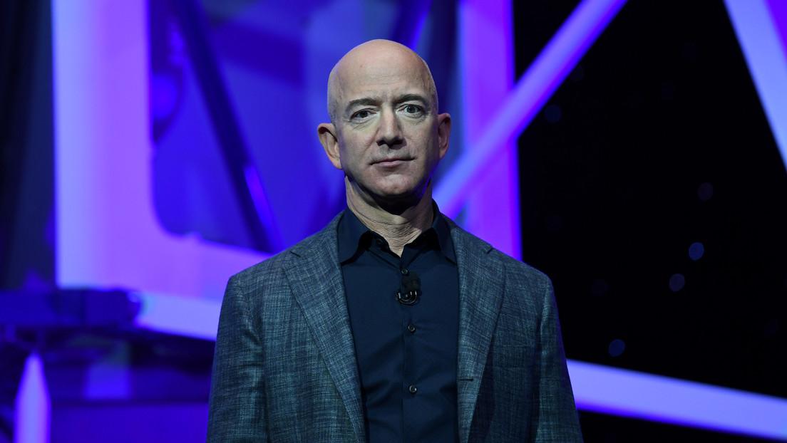 La Red estalla en divertidos memes tras el anuncio de Jeff Bezos sobre su viaje al espacio