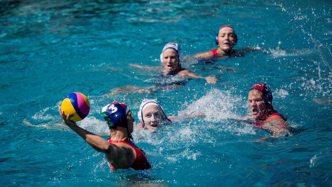 Una docena de jugadoras estadounidenses de waterpolo recibirá casi 14 millones de dólares tras una demanda por abuso sexual