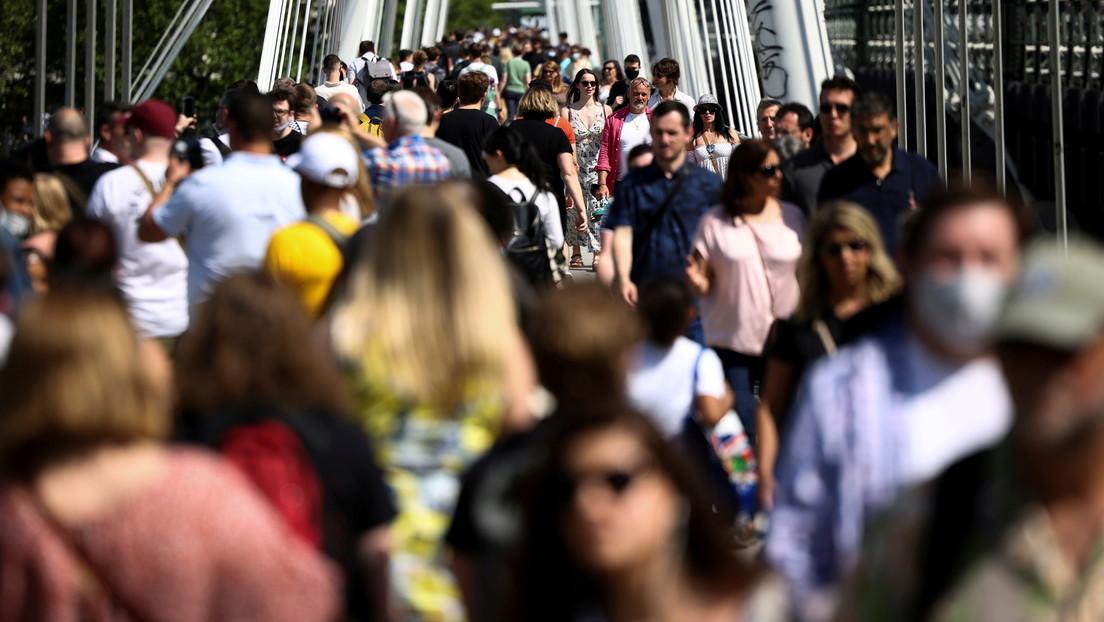 El Parlamento Europeo insta a suspender los derechos de propiedad intelectual de las vacunas anticovid