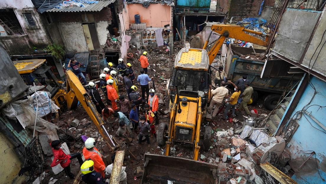 VIDEO: Derrumbe de un edificio de viviendas en Bombay deja al menos once muertos, 8 de ellos niños