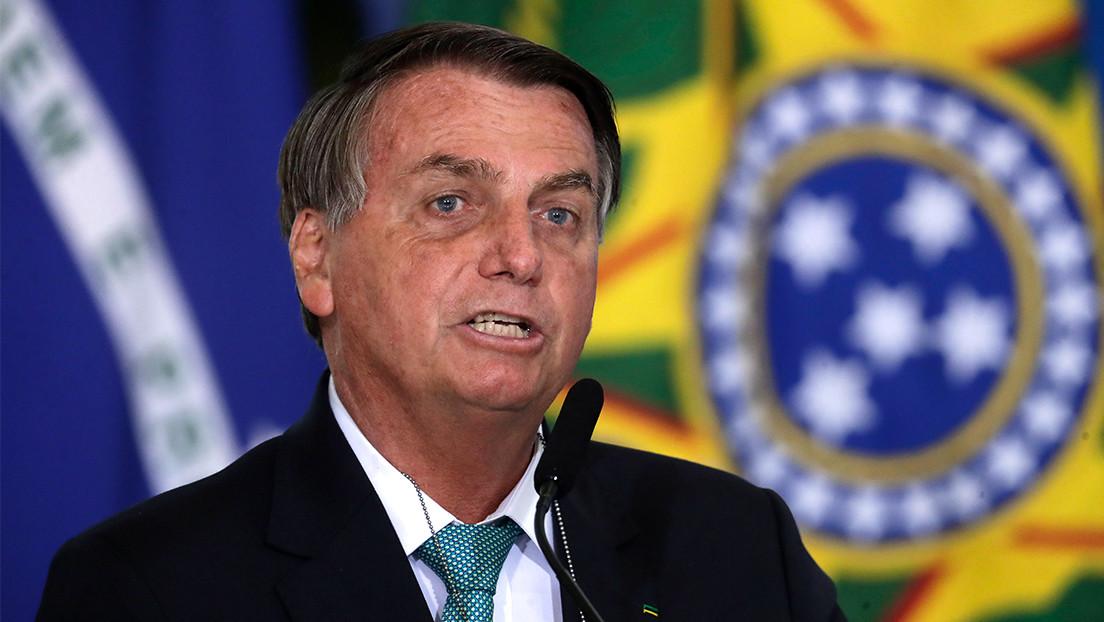 """Bolsonaro dice que Brasil puede ser uno de los países con menos muertes por covid-19 y acusa a los gobernadores de """"inflar"""" las cifras"""