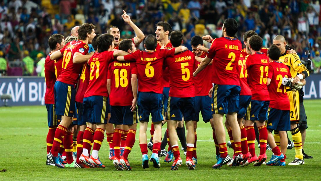España dividida por la vacunación a la selección de fútbol: ¿un bien nacional o un grupo de privilegiados?