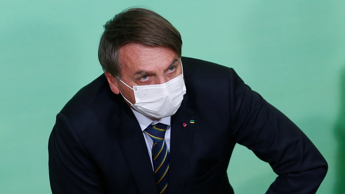 Bolsonaro pide que los vacunados y recuperados del covid-19 queden libres del uso de mascarillas