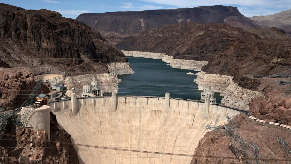 El nivel de agua del mayor embalse de EE.UU. cae a su mínimo histórico por la sequía