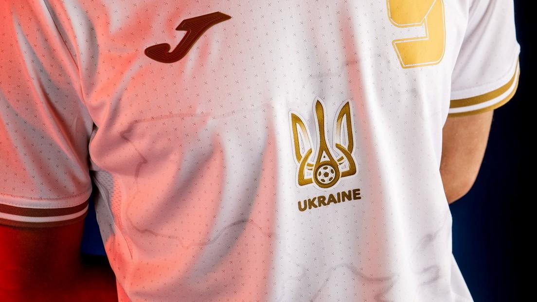 Ucrania desafía a la UEFA con un lema nacionalista en el uniforme de su selección