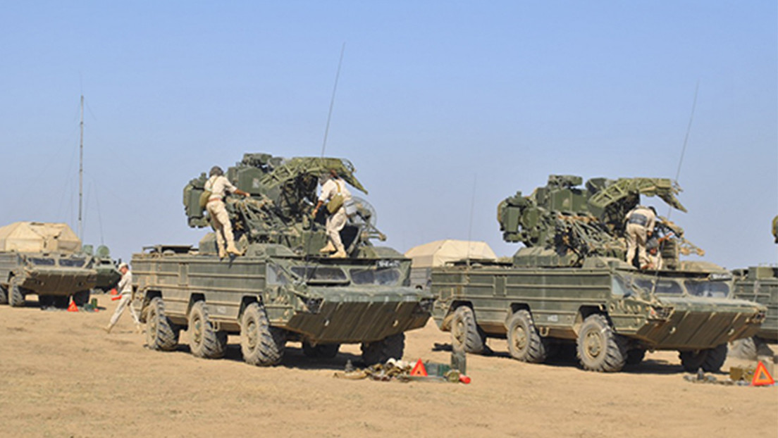 Bombarderos y misiles antiaéreos rusos inician ejercicios en Crimea en vísperas de la llegada de un destructor estadounidense