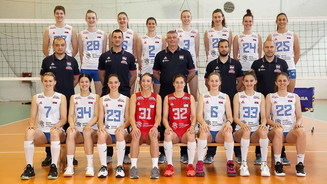 Suspenden a una jugadora de la selección de voleibol de Serbia por hacer gestos racistas durante un partido