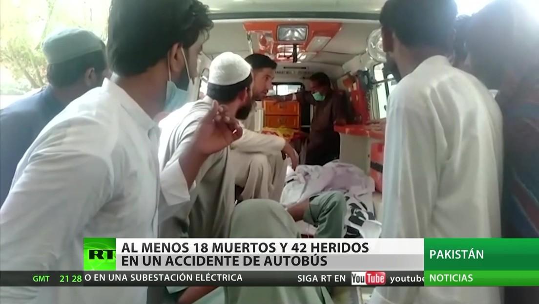 Al menos 18 muertos y 42 heridos en un accidente de autobús en Pakistán