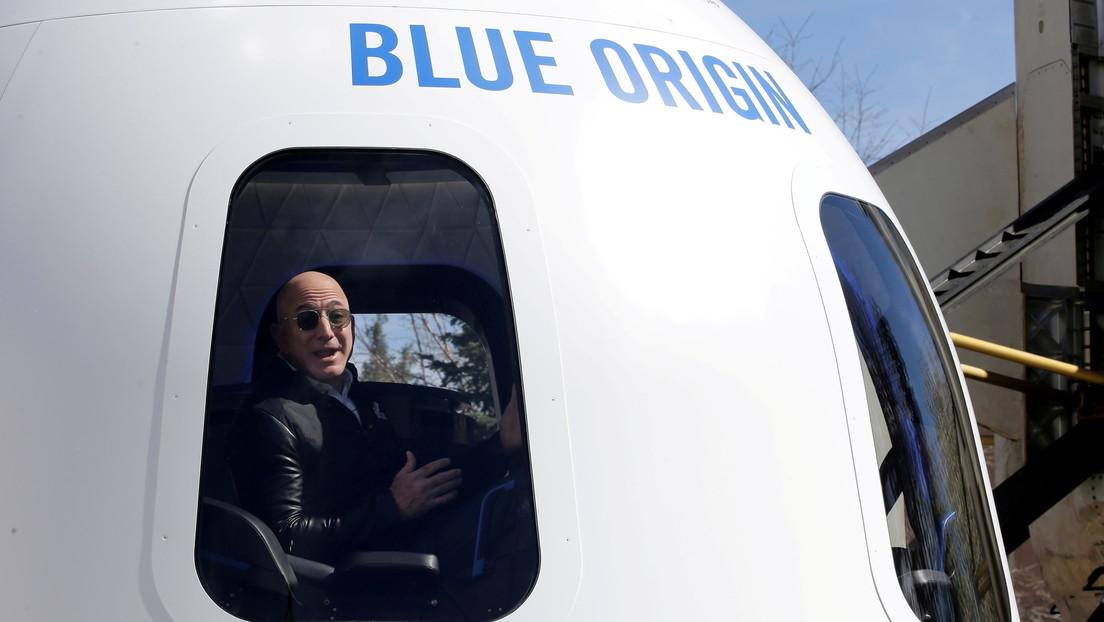 """Senadora sugiere que Jeff Bezos viajará al espacio a costa de los estadounidenses que """"realmente pagan sus impuestos"""""""