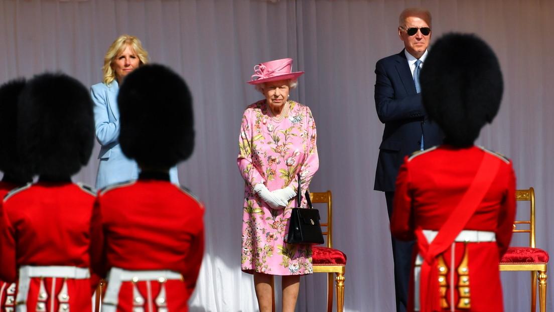 Biden rompe el protocolo real británico al revelar que Isabel II le preguntó sobre Putin y Xi Jinping