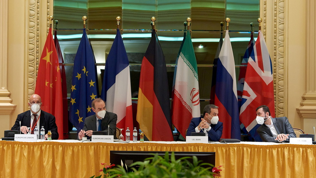 """""""Persisten importantes desacuerdos"""": Francia advierte que """"el tiempo no juega a favor de nadie"""" en las conversaciones nucleares con Irán"""
