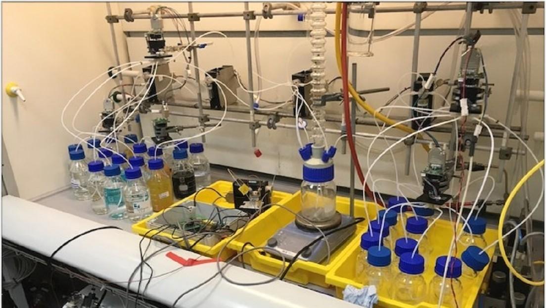 """Crean un """"robot químico"""" capaz de realizar y diseñar complejos experimientos de forma autonóma"""