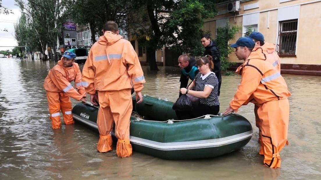 Lluvias tropicales azotan el sur de Rusia provocando inundaciones, cortes de electricidad y evacuaciones de residentes (VIDEOS)