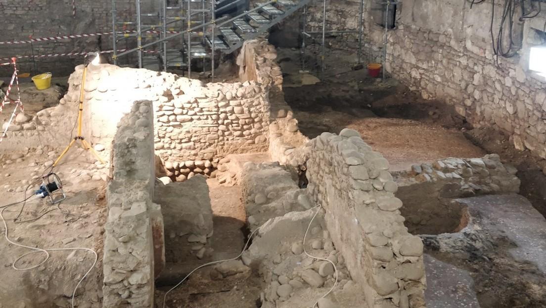 """Descubren un """"Pompeya en miniatura"""" de cerca de 2.000 años en el sótano de un viejo cine en Verona"""