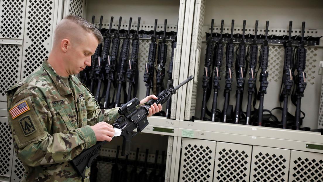 Reporte indica que militares de EE.UU. perdieron unas 1.900 armas de fuego durante una década, y el Pentágono responde