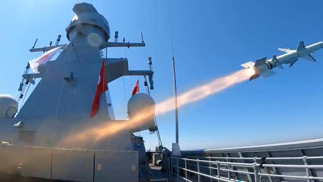 VIDEO: El primer misil antibuque de fabricación turca alcanza con éxito su objetivo en el lanzamiento de prueba final