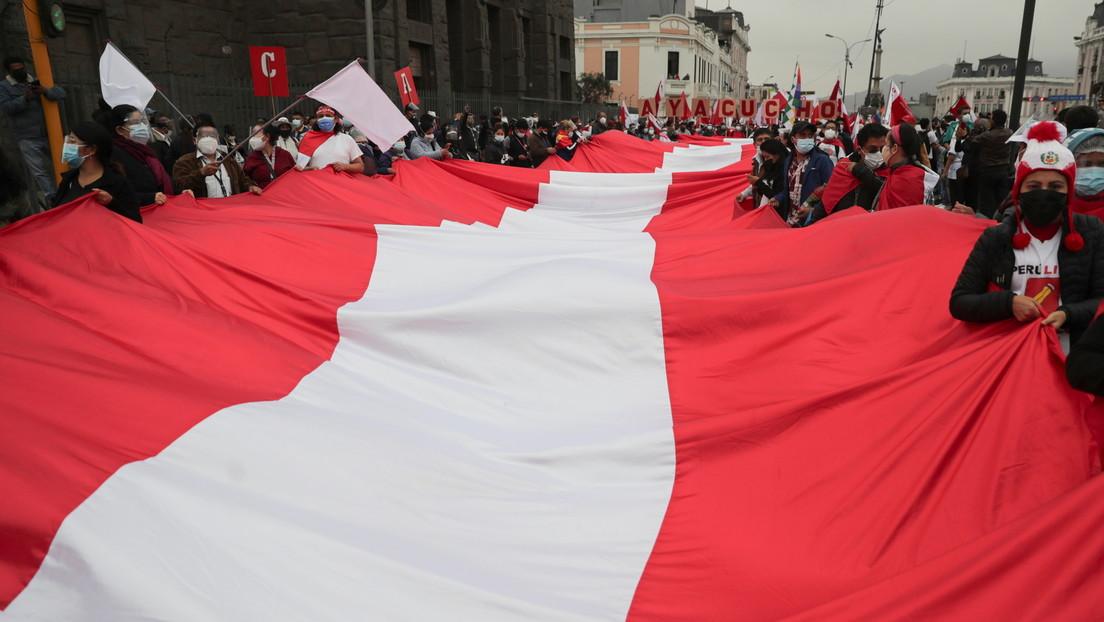 Perú en vilo por la demora en la proclamación del nuevo presidente y con una petición pendiente de prisión preventiva contra Fujimori