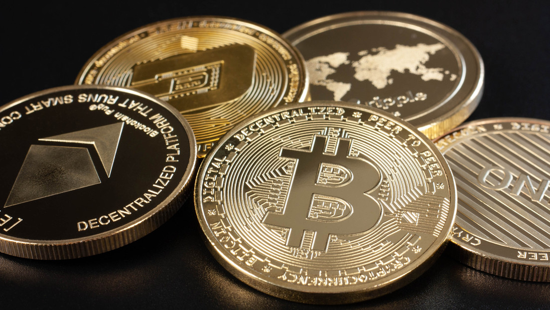 El bitcóin alcanza 'la cruz de la muerte' provocando el desplome de todo el mercado de las criptodivisas
