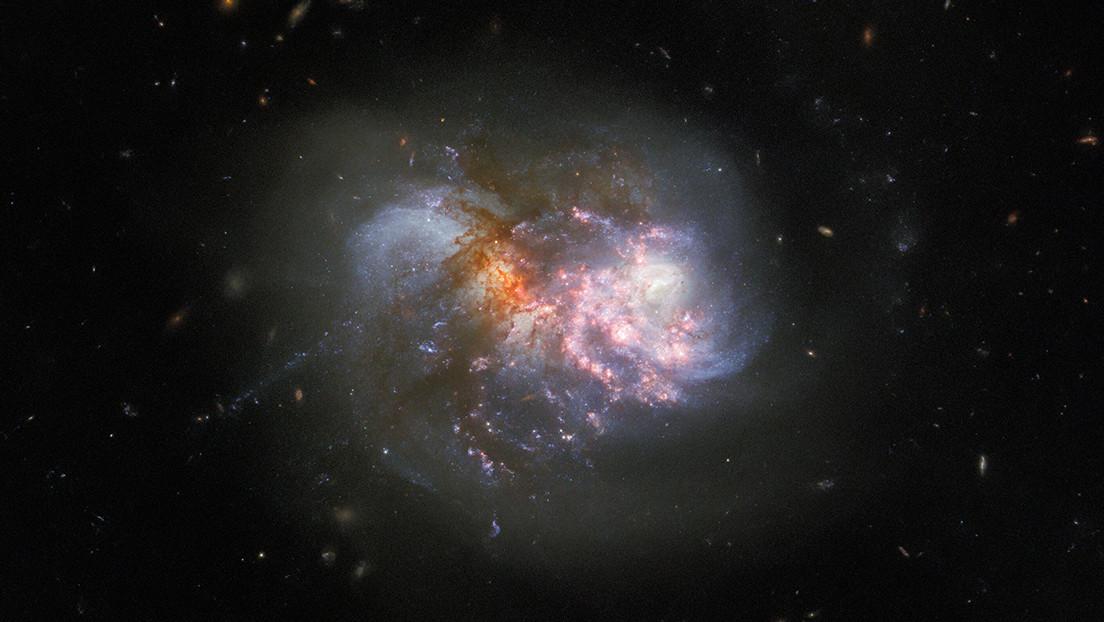FOTO: El telescopio Hubble capta una colisión cataclísmica de un par de galaxias a punto de fusionarse