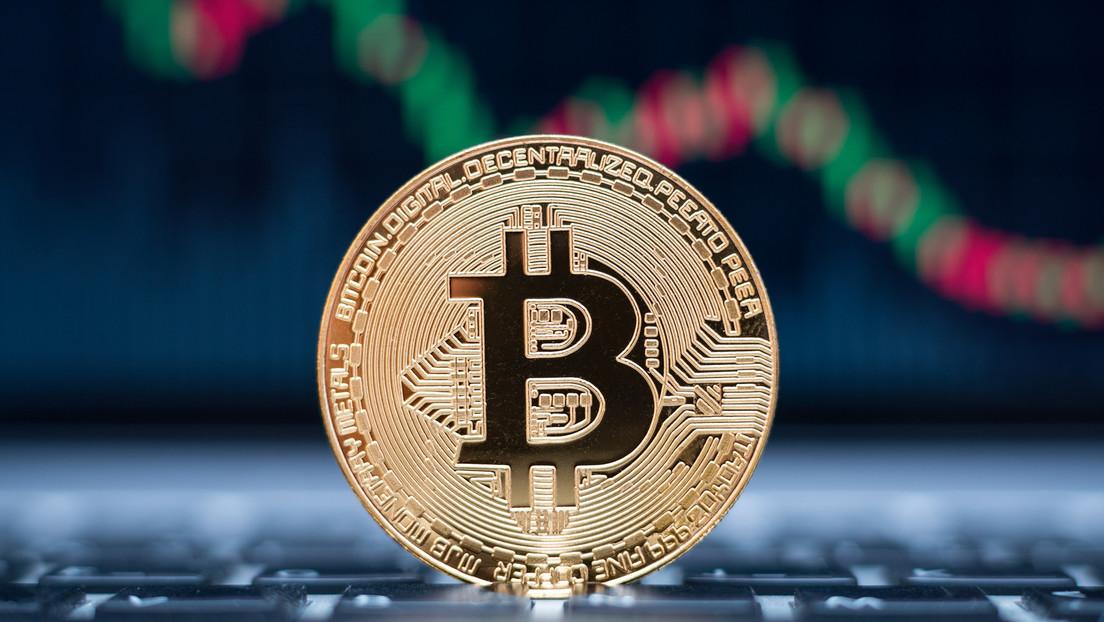 El bitcóin cae por debajo de los 30.000 dólares, un descenso del 55 % desde su máximo de abril