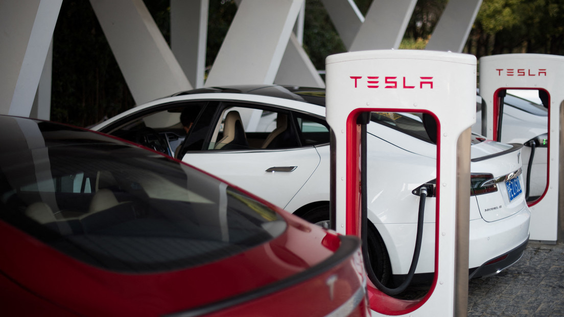 Tesla pone en servicio 27 estaciones de recarga en 5.000 kilómetros de la histórica Ruta de la Seda en China