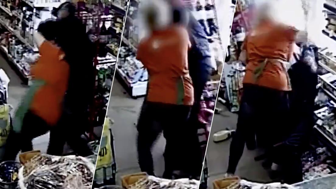 Un ladrón pone una navaja en el cuello a una tendera rusa y esta lo tumba de inmediato (VIDEO)