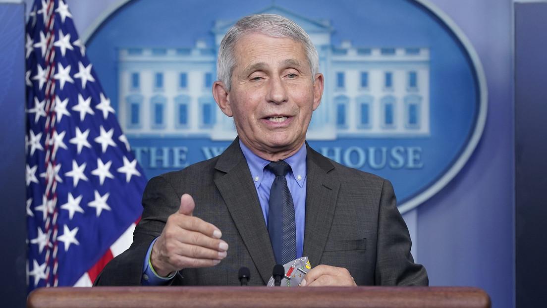 """El asesor médico jefe de la Casa Blanca afirma que la variante Delta es """"la mayor amenaza en EE.UU."""" para eliminar el covid-19"""