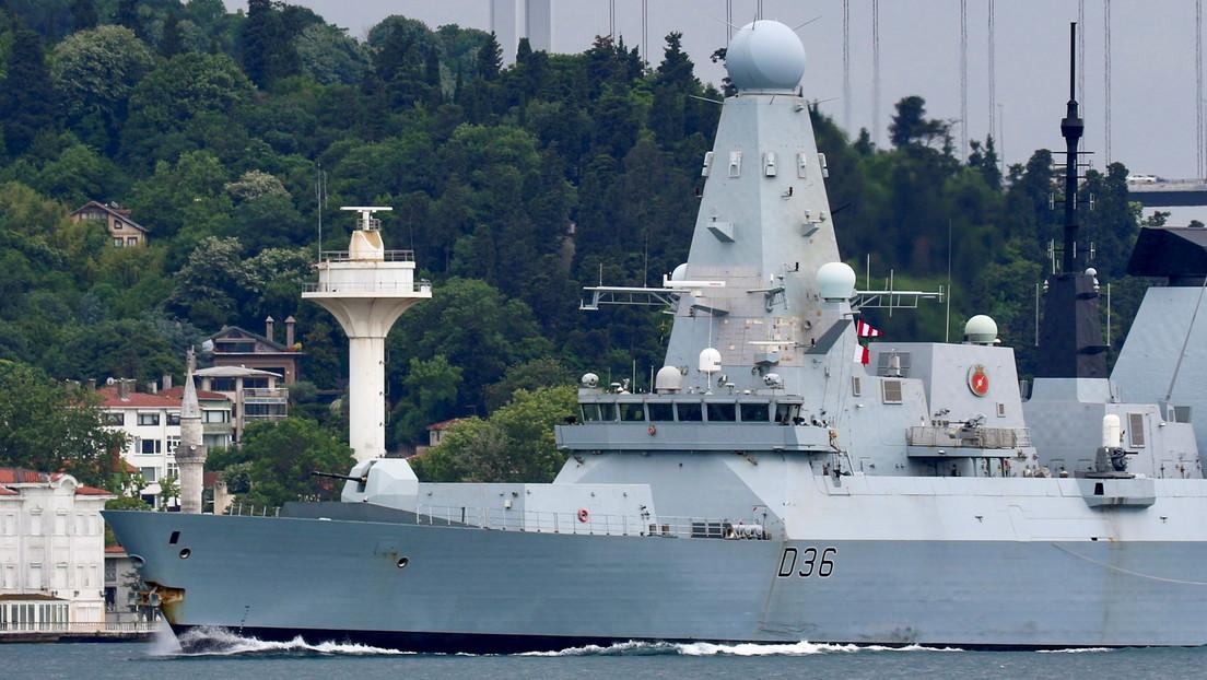La Cancillería de Rusia cita a la embajadora de Reino Unido por la intrusión de un destructor británico en aguas rusas