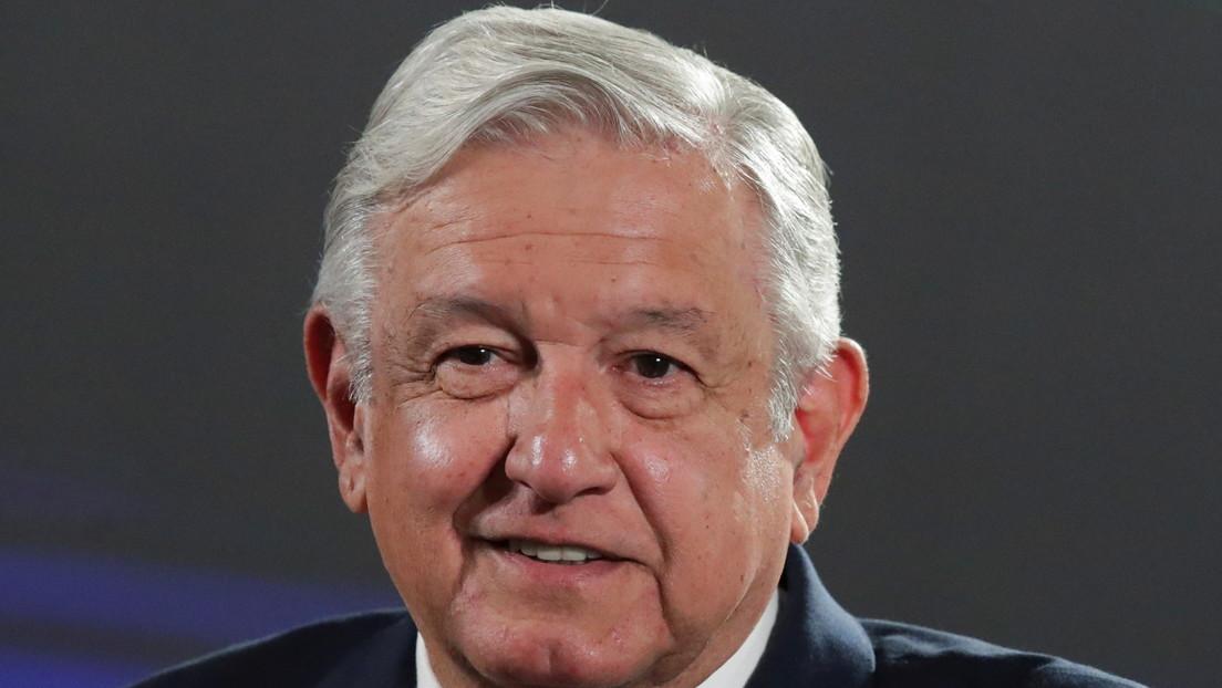 """López Obrador anuncia que dedicará uno de sus informes matutinos por semana a """"combatir las falsas noticias"""" en México"""