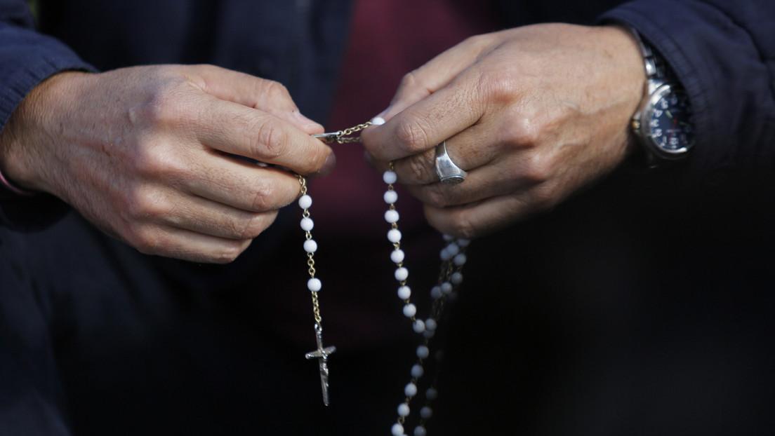 La historia del sacerdote argentino señalado de vínculos narco que será juzgado por tres casos de abuso sexual